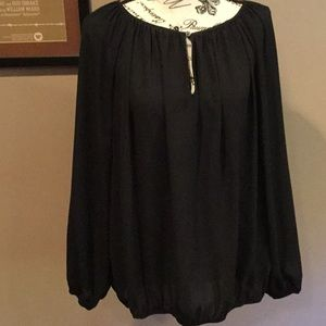 NWOT Vince Camuto XL black top